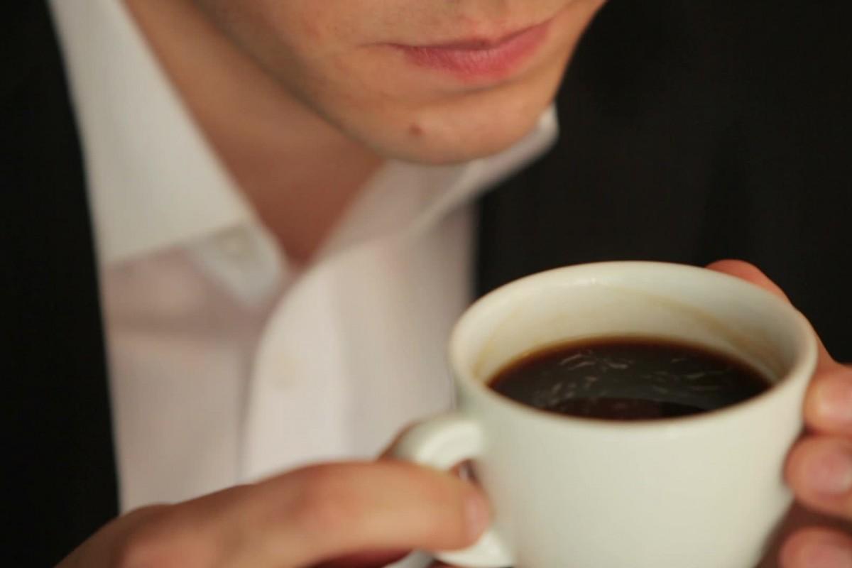Demasiado café puede dañar la fertilidad de los hombres