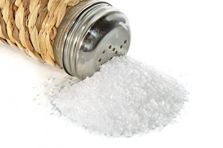 El alto consumo de sal puede retrasar la pubertad