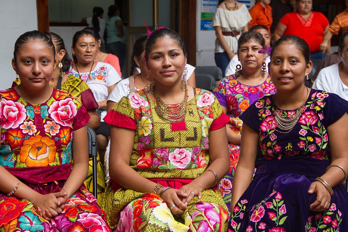 Agencia edita diccionario en zapoteco para prevenir cáncer cervicouterino