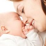 ¿Por qué los humanos amamantamos a nuestras crías?