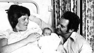 El nacimiento de Louise Brown marcó un hito tan importante que fue filmado para documentar la evidencia.